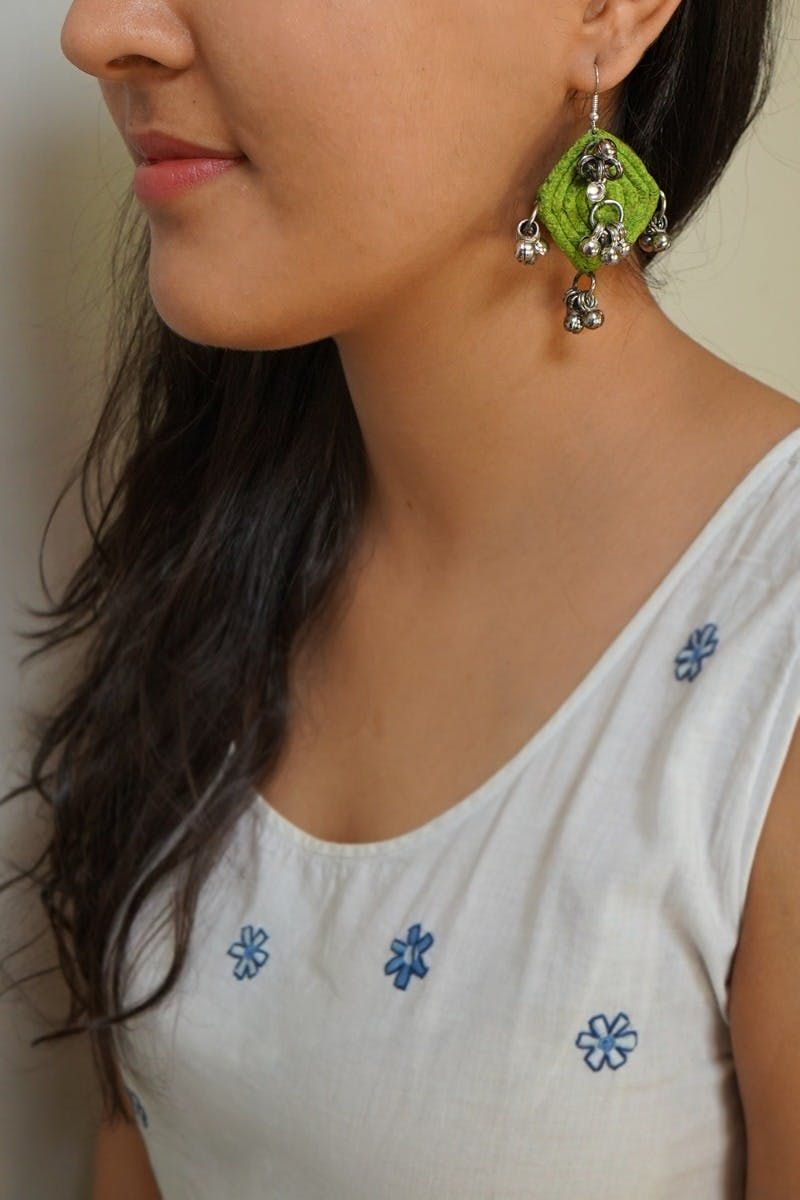 Handcrafted Rhombus Cotton Twine Ghungroo Earrings - Green