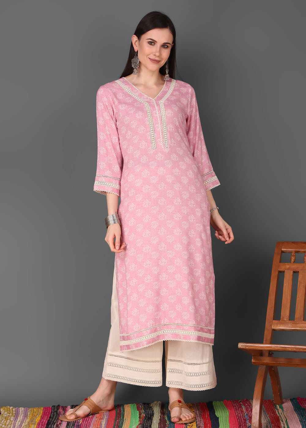 Lace Detail Solid Floral Printed Straight Kurta With Off-White Palazzo Set - Pink