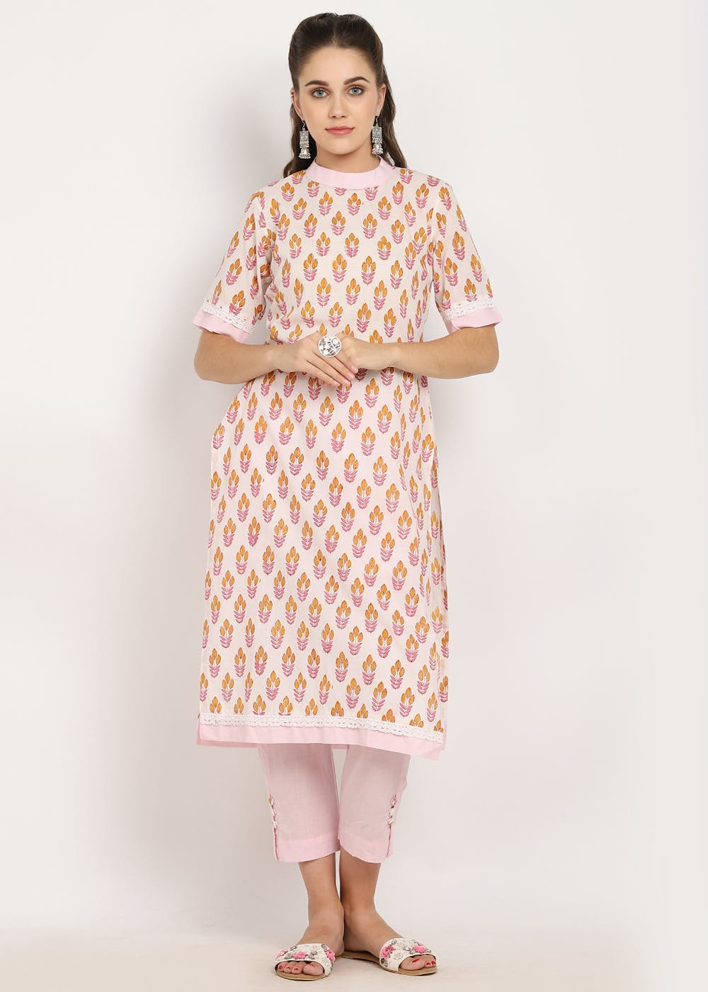 Lace & Solid Trim Detail Floral Printed Straight Kurta - Pink